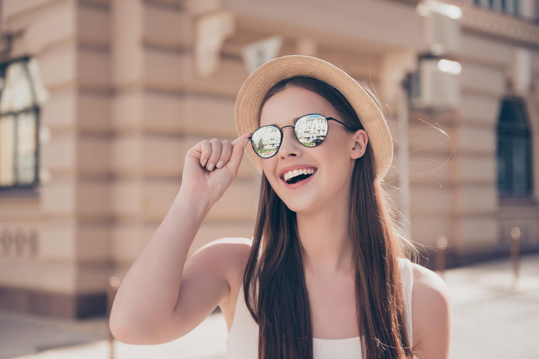 Quais os tipos de óculos certos para cada formato de rosto  Confira aqui! -  Maurikatu badef3ac8a